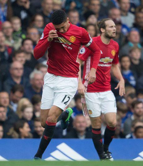 Mourinho chi trich vai cau thu M.U thieu dung khi - Anh 3