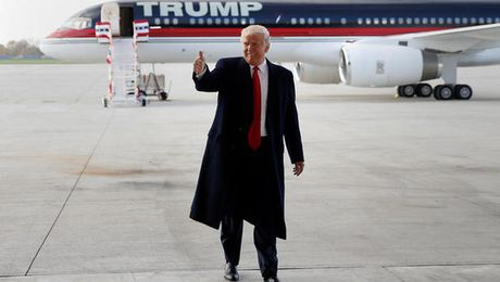 """Ong Trump bi """"bit mieng"""" tren mang xa hoi - Anh 1"""