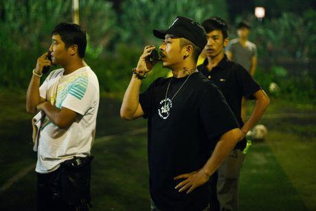 """Dao dien """"tay ngang"""" chinh phuc khan gia - Anh 1"""