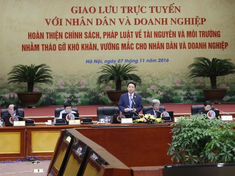 Gan 670 cau hoi gui Bo Tai nguyen va Moi truong trong buoi giao luu truc tuyen - Anh 1
