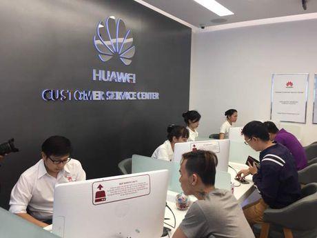 Huawei khai truong trung tam dich vu khach hang dau tien tai Viet Nam - Anh 1