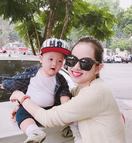 Sao Viet 7/11: Ly Kute lai xe hop dua con trai di choi, Jun Vu noi loan voi toc vang - Anh 5