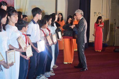 Chang duong 13 nam Hoc bong 'Cho em den truong' - Anh 1