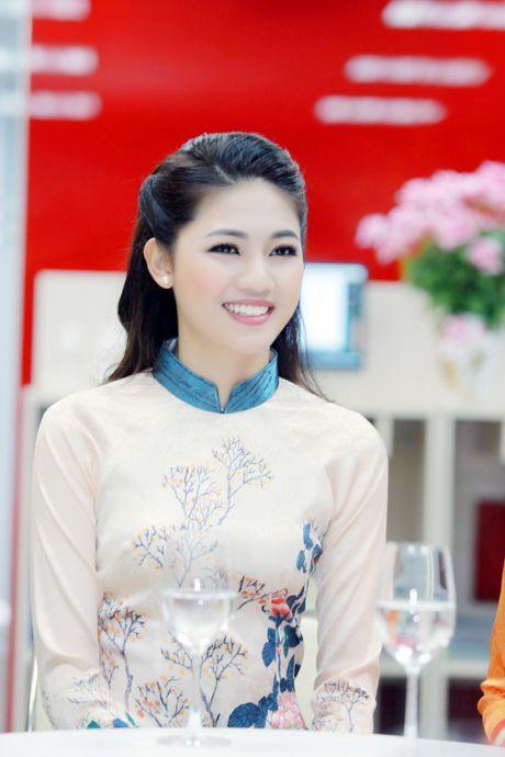 My Linh dep nhu tranh ve voi ao dai do Ngoc Han thiet ke - Anh 2