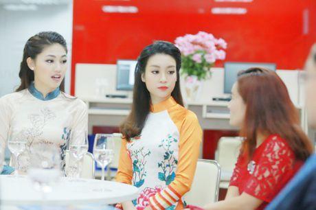 My Linh dep nhu tranh ve voi ao dai do Ngoc Han thiet ke - Anh 4