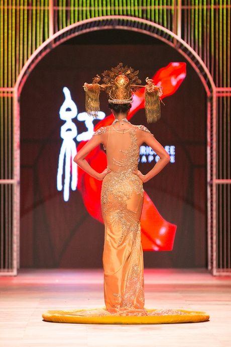 Nguyen Oanh dien set do nang 20 kg lam vedette - Anh 7