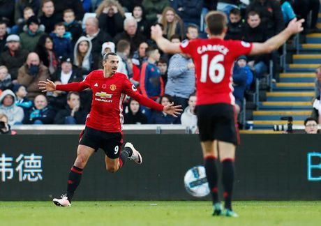 M.U - Swansea (3-1): Niem vui tro lai voi Quy do - Anh 2