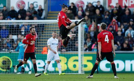 M.U - Swansea (3-1): Niem vui tro lai voi Quy do - Anh 3