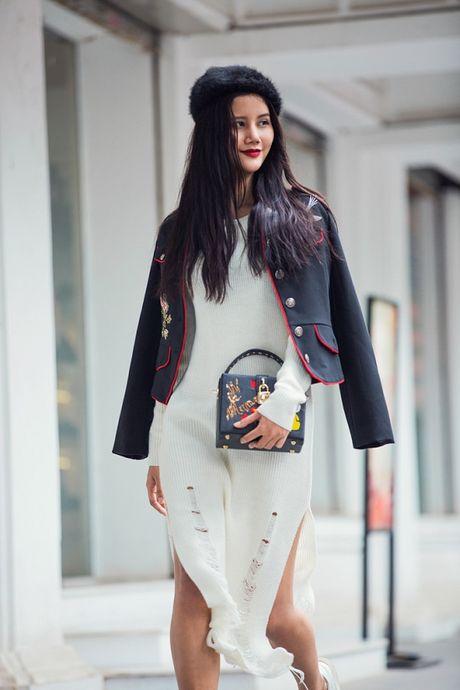 Hoang Thuy, Trang Khieu, Huong Ly can quyet street style cuoi tuan - Anh 11