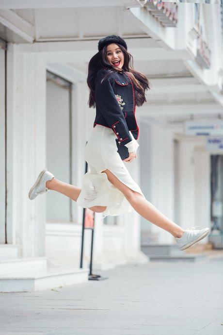 Hoang Thuy, Trang Khieu, Huong Ly can quyet street style cuoi tuan - Anh 12