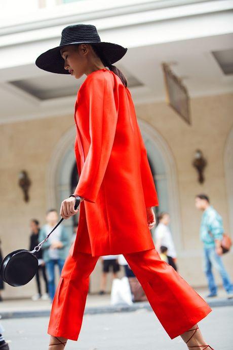 Hoang Thuy, Trang Khieu, Huong Ly can quyet street style cuoi tuan - Anh 4