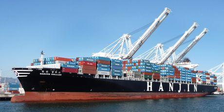 Hang tau Hanjin pha san de lai hon 4 nghin container tai cang Viet Nam - Anh 1