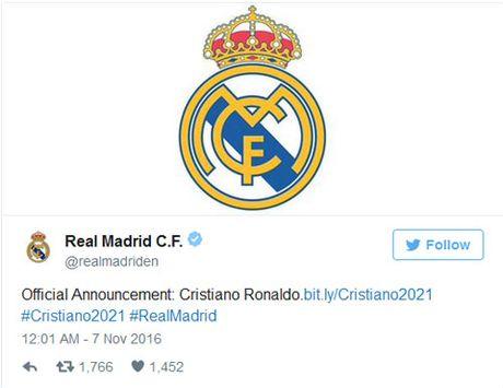 Real: Ronaldo ky hop dong them 5 nam, duoc vi la may ghi ban - Anh 2