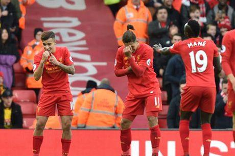 "Liverpool ""len dinh"" sau 916 ngay & 7 thong ke ""dien ro"" - Anh 1"
