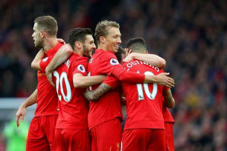 """Tieu diem vong 11 NHA: MU, Liverpool """"nhuom do"""" nuoc Anh - Anh 1"""