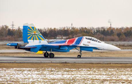 Su-27 Nga truc trac khi bay bieu dien tai trien lam hang khong Trung Quoc - Anh 6