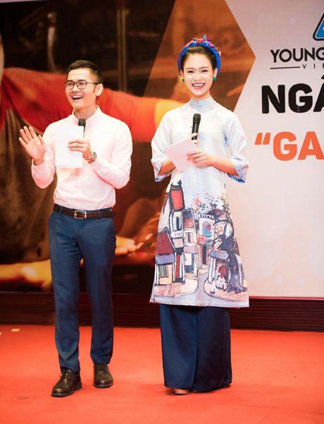 Ngoc Van tu tin lam MC dan dat 'Ngay hoi sang che tre 2016' - Anh 4
