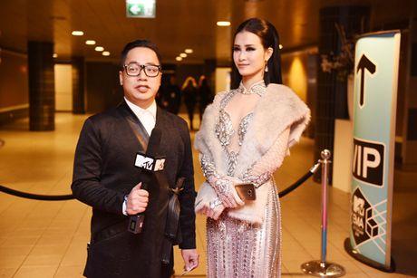 Dong Nhi doat danh hieu 'Nghe sy Dong Nam A xuat sac nhat' tai MTV EMA - Anh 2