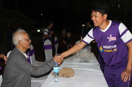 NSND Tran Nhuong quyen gop tien ung ho NSUT Duy Thanh dieu tri ung thu - Anh 5