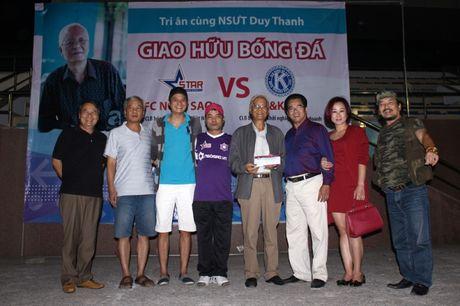 NSND Tran Nhuong quyen gop tien ung ho NSUT Duy Thanh dieu tri ung thu - Anh 6