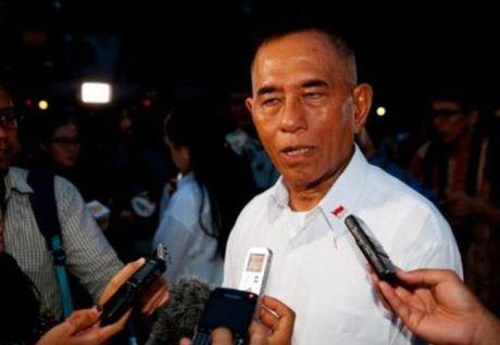 Indonesia tang cuong phong thu o Bien Dong, thu hut cac nha cung ung vu khi - Anh 1