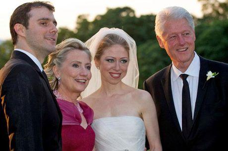 Con gai ba Hillary bi to dung tien tu thien lam dam cuoi - Anh 1