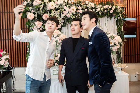 Harry Lu, Rocker Nguyen cung dan my nam Vbiz ru nhau 'dai nao' su kien - Anh 9