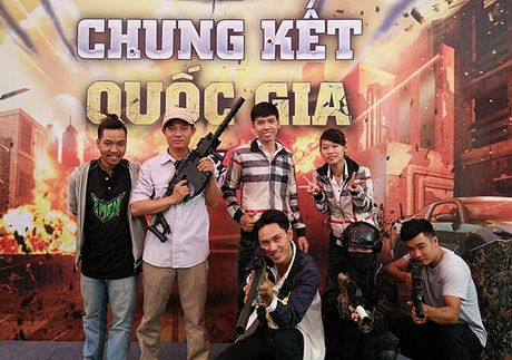 Chum anh: Gioi tre cuong nhiet trong giai Mobile eSports 'Tap kich' - Anh 1
