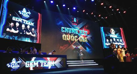 Chum anh: Gioi tre cuong nhiet trong giai Mobile eSports 'Tap kich' - Anh 5