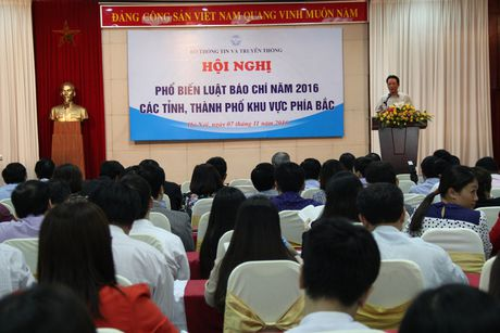 Pho bien Luat Bao chi nam 2016, co hieu luc tu 1.1.2017 voi nhieu quy dinh moi - Anh 1