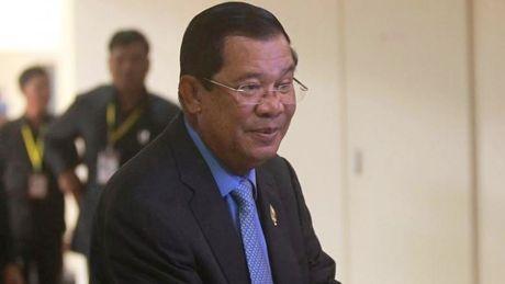 Campuchia ngan chan nguy co 'cach mang mau' - Anh 1