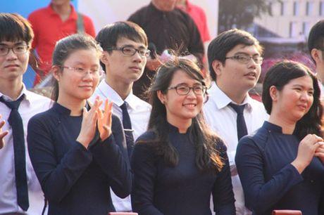 Phu huynh gui don doi giai the Truong DH Tan Tao! - Anh 2