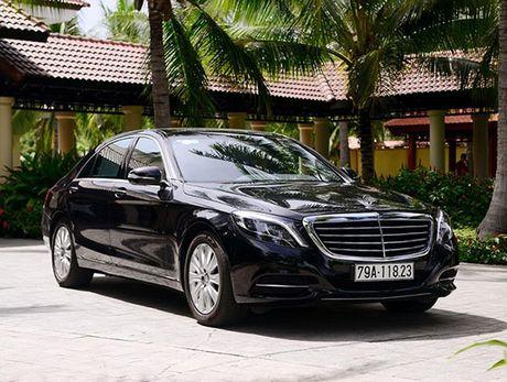 Bo doi Mercedes-Benz S 400 L va S 500 L ve tay khu resort cao cap - Anh 1