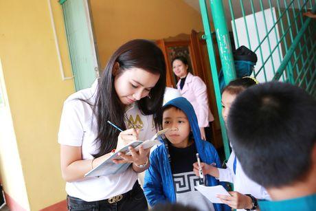 Dien vien Luong Giang ban tranh de lam tu thien - Anh 1