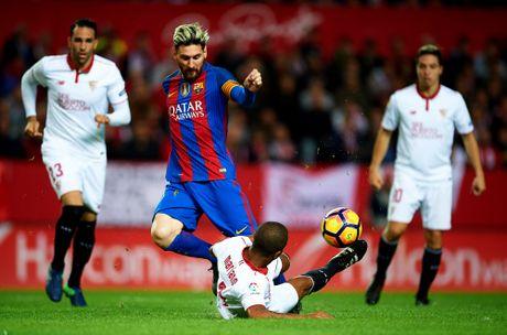 'La Liga quy goi truoc Messi' - Anh 2