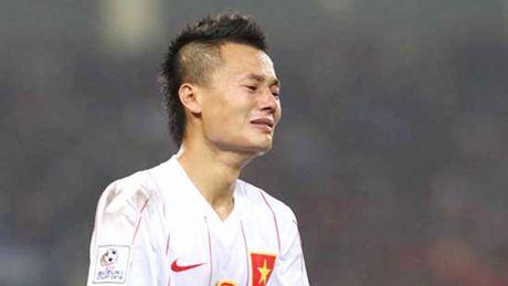 Thanh Luong gat noi dau mat ong noi, ra san o tran gap Indonesia - Anh 1