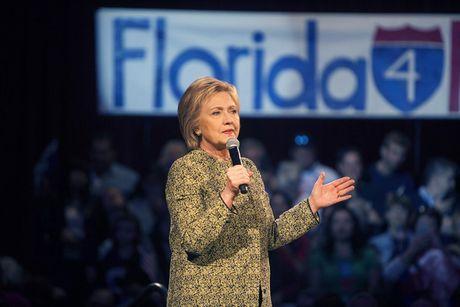 Tong thong Obama: Chi can thang o Florida, ba Clinton nam chac ve vao Nha Trang - Anh 1