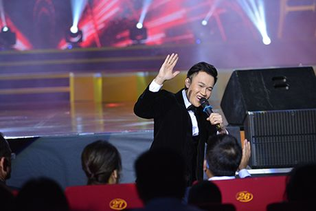 MC Phan Anh, ca si My Tam tung hung an y tren san khau - Anh 7