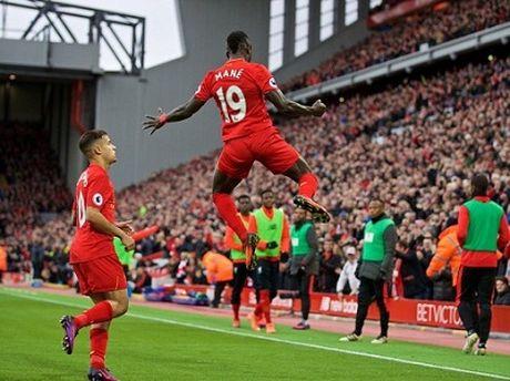 Liverpool bien ao, da dang the nay thi chong lai the nao? - Anh 2