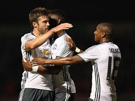 Man United: Khong phai Ibra hay Pogba, Carrick moi la nguoi dac biet - Anh 4