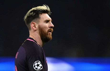 Eric Cantona tuc gian vi Lionel Messi ngay cang giong... Justin Bieber - Anh 1