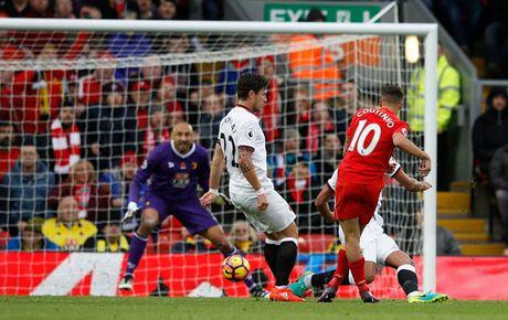 Toan canh chien thang '6 sao' giup Liverpool dan dau Premier League - Anh 5