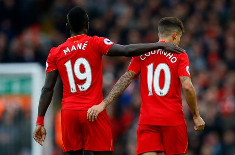 Toan canh chien thang '6 sao' giup Liverpool dan dau Premier League - Anh 6