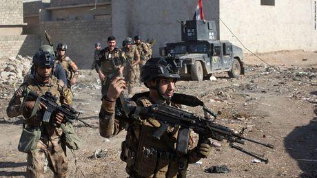 28 gio thuc trang duoi lan dan tan cong vao hang o IS o Mosul - Anh 12
