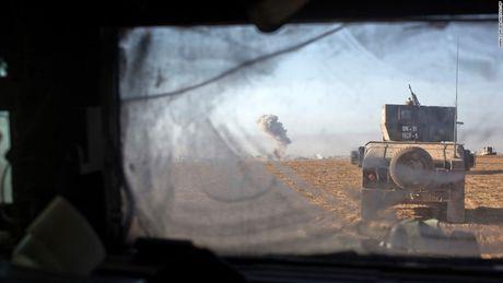 28 gio thuc trang duoi lan dan tan cong vao hang o IS o Mosul - Anh 13