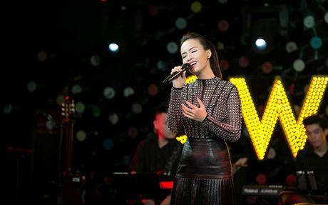 Ai Phuong mang hit 'Neu anh yeu em' den Ha Noi lam liveshow - Anh 1