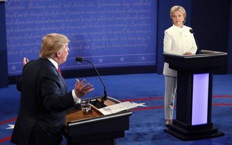 Bau cu My truoc gio G: Ba Clinton van co loi the hon ong Trump - Anh 1