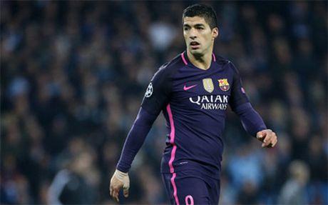 The thao 24h: Suarez xung dang gianh QBV hon Ronaldo va Messi - Anh 1