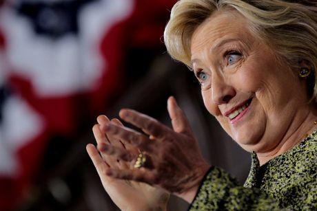 Ba Hillary Clinton nhan duoc su ung ho ap dao tu truyen thong - Anh 10