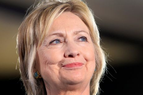 Ba Hillary Clinton nhan duoc su ung ho ap dao tu truyen thong - Anh 2